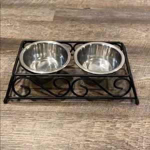 Pet dishes with stand